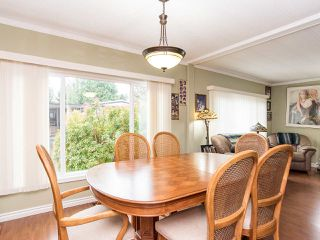 """Photo 13: 297 1840 160 Street in Surrey: King George Corridor Manufactured Home for sale in """"BREAKAWAY BAYS"""" (South Surrey White Rock)  : MLS®# R2519884"""