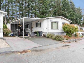 """Photo 2: 297 1840 160 Street in Surrey: King George Corridor Manufactured Home for sale in """"BREAKAWAY BAYS"""" (South Surrey White Rock)  : MLS®# R2519884"""
