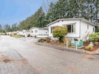 """Photo 3: 297 1840 160 Street in Surrey: King George Corridor Manufactured Home for sale in """"BREAKAWAY BAYS"""" (South Surrey White Rock)  : MLS®# R2519884"""