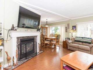 """Photo 7: 297 1840 160 Street in Surrey: King George Corridor Manufactured Home for sale in """"BREAKAWAY BAYS"""" (South Surrey White Rock)  : MLS®# R2519884"""