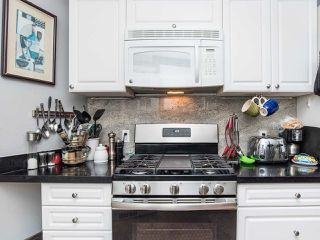 """Photo 16: 297 1840 160 Street in Surrey: King George Corridor Manufactured Home for sale in """"BREAKAWAY BAYS"""" (South Surrey White Rock)  : MLS®# R2519884"""
