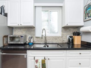 """Photo 18: 297 1840 160 Street in Surrey: King George Corridor Manufactured Home for sale in """"BREAKAWAY BAYS"""" (South Surrey White Rock)  : MLS®# R2519884"""