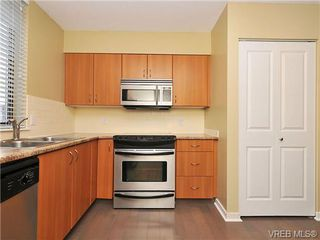 Photo 11: 802 1034 Johnson St in VICTORIA: Vi Downtown Condo Apartment for sale (Victoria)  : MLS®# 682246