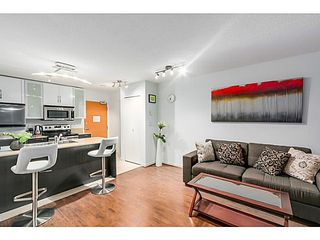 "Photo 5: 903 928 HOMER Street in Vancouver: Yaletown Condo for sale in ""YALETOWN PARK1"" (Vancouver West)  : MLS®# V1105059"