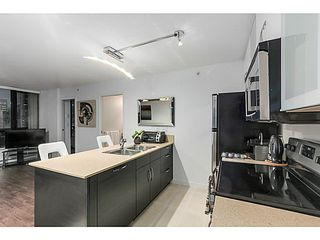 """Photo 7: 903 928 HOMER Street in Vancouver: Yaletown Condo for sale in """"YALETOWN PARK1"""" (Vancouver West)  : MLS®# V1105059"""