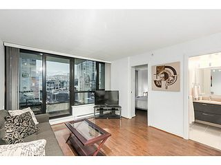 "Photo 3: 903 928 HOMER Street in Vancouver: Yaletown Condo for sale in ""YALETOWN PARK1"" (Vancouver West)  : MLS®# V1105059"