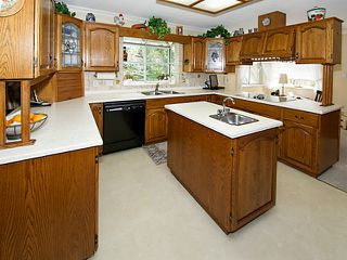 Photo 6: 5677 TIMBERVALLEY Road in Tsawwassen: Tsawwassen East House for sale : MLS®# V1111333