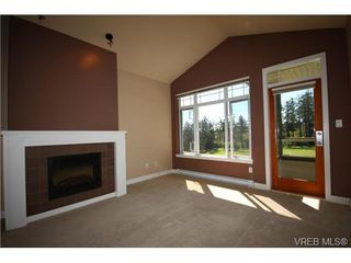 Photo 6: 404C 1115 Craigflower Rd in VICTORIA: Es Gorge Vale Condo Apartment for sale (Esquimalt)  : MLS®# 699339