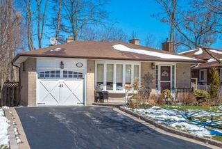 Main Photo: 541 Arnhem Drive in Oshawa: O'Neill House (Backsplit 4) for sale : MLS®# E3456898