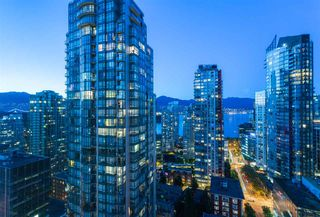 """Photo 3: 2404 1200 W GEORGIA Street in Vancouver: West End VW Condo for sale in """"RESIDENCES ON GEORGIA"""" (Vancouver West)  : MLS®# R2069332"""