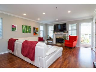 "Photo 3: 39 20788 87 Avenue in Langley: Walnut Grove Townhouse for sale in ""KENSINGTONM VILLAGE"" : MLS®# R2071308"