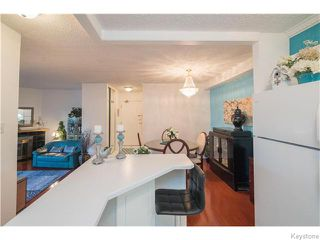 Photo 3: 30 Lake Crest Road in Winnipeg: Waverley Heights Condominium for sale (1L)  : MLS®# 1628738