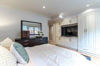 Photo 8: 2388 MACDONALD Street in Vancouver: Kitsilano Multifamily for sale (Vancouver West)  : MLS®# R2157304
