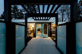 Photo 1: 352 54 Street in Delta: Pebble Hill House for sale (Tsawwassen)  : MLS®# R2171136