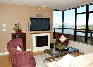 Photo 4: 2102 15 E ROYAL AVENUE in New Westminster: Fraserview NW Condo for sale : MLS®# R2168703