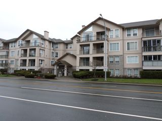 Photo 1: 301 2772 Clearbrook Road in Abbotsford: Abbotsford West Condo for sale : MLS®# R2233339