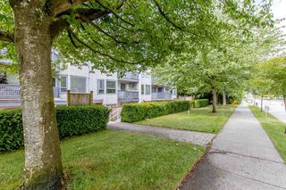 "Photo 10: 105 315 E 3RD Street in North Vancouver: Lower Lonsdale Condo for sale in ""Dunberton Manor"" : MLS®# R2286632"