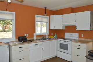 Photo 3: 2420 CLARA Road in 150 Mile House: Williams Lake - Rural East Manufactured Home for sale (Williams Lake (Zone 27))  : MLS®# R2296379