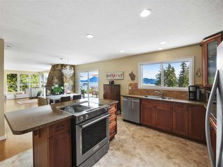 """Photo 9: 1626 GRADY Road in Gibsons: Gibsons & Area House for sale in """"Langdale"""" (Sunshine Coast)  : MLS®# R2298602"""