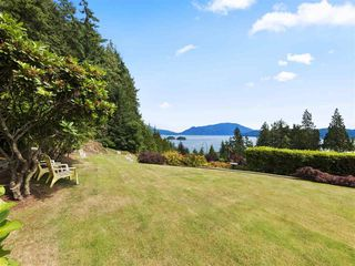 """Photo 1: 1626 GRADY Road in Gibsons: Gibsons & Area House for sale in """"Langdale"""" (Sunshine Coast)  : MLS®# R2298602"""