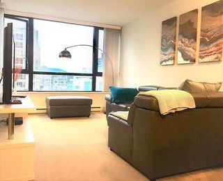 "Photo 4: 2510 909 MAINLAND Street in Vancouver: Yaletown Condo for sale in ""YALETOWN PARK II"" (Vancouver West)  : MLS®# R2321498"