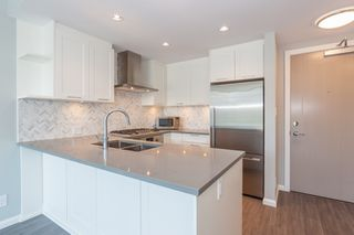 "Photo 5: 2503 520 COMO LAKE Avenue in Coquitlam: Coquitlam West Condo for sale in ""THE CROWN"" : MLS®# R2328043"