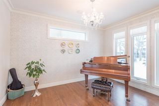 Photo 2: 10121 89 Street in Edmonton: Zone 13 House for sale : MLS®# E4143153