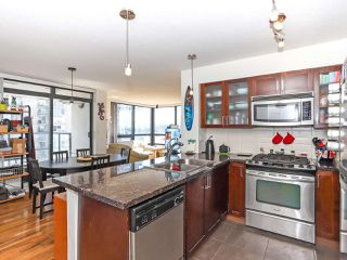 """Photo 9: 1003 1 RENAISSANCE Square in New Westminster: Quay Condo for sale in """"THE Q"""" : MLS®# R2352537"""