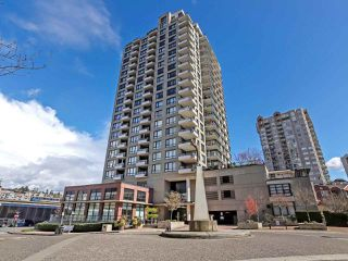 """Photo 2: 1003 1 RENAISSANCE Square in New Westminster: Quay Condo for sale in """"THE Q"""" : MLS®# R2352537"""