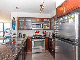 """Photo 10: 1003 1 RENAISSANCE Square in New Westminster: Quay Condo for sale in """"THE Q"""" : MLS®# R2352537"""