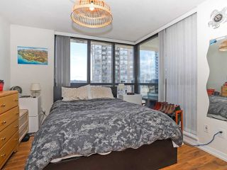 """Photo 12: 1003 1 RENAISSANCE Square in New Westminster: Quay Condo for sale in """"THE Q"""" : MLS®# R2352537"""