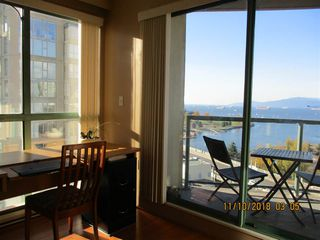 """Photo 6: 1801 907 BEACH Avenue in Vancouver: Yaletown Condo for sale in """"COARL COURT"""" (Vancouver West)  : MLS®# R2363755"""