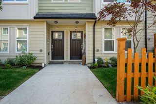 Photo 2: 115 13670 62 Avenue in Surrey: Sullivan Station Townhouse for sale : MLS®# R2369152