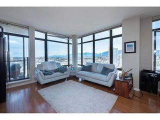 """Photo 3: 2903 2345 MADISON Avenue in Burnaby: Brentwood Park Condo for sale in """"ORA ONE"""" (Burnaby North)  : MLS®# R2370295"""