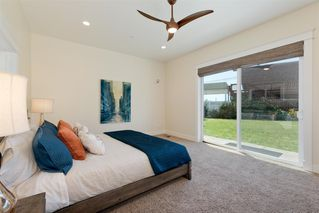 Photo 10: POINT LOMA House for sale : 3 bedrooms : 1276 Moana Dr in San Diego