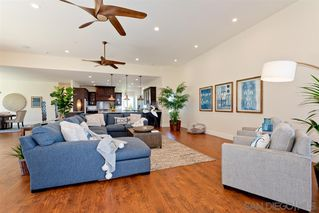 Photo 2: POINT LOMA House for sale : 3 bedrooms : 1276 Moana Dr in San Diego