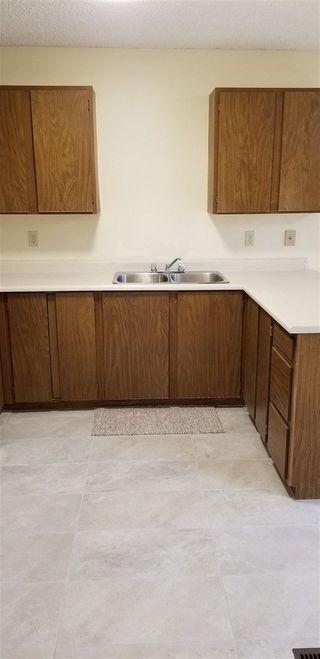 Photo 3: 21 GARETH Place: St. Albert House Half Duplex for sale : MLS®# E4158445
