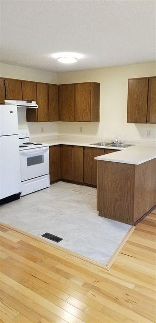 Photo 2: 21 GARETH Place: St. Albert House Half Duplex for sale : MLS®# E4158445
