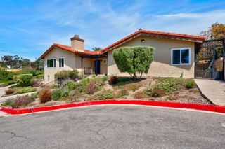 Photo 4: MISSION HILLS House for sale : 3 bedrooms : 3235 Horton Ave in San Diego