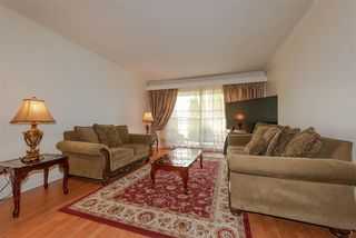 Photo 4: 215 550 ROYAL Avenue in New Westminster: Downtown NW Condo for sale : MLS®# R2385460