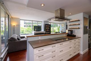 Photo 2: 502 183 KEEFER Place in Vancouver: Downtown VW Condo for sale (Vancouver West)  : MLS®# R2385717