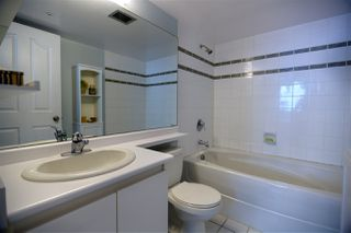 Photo 12: 502 183 KEEFER Place in Vancouver: Downtown VW Condo for sale (Vancouver West)  : MLS®# R2385717