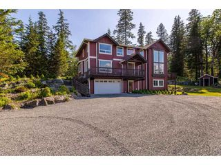 "Photo 2: 6027 DUNKERLEY Drive in Abbotsford: Sumas Mountain House for sale in ""Sumas Mountain"" : MLS®# R2386446"