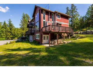 "Photo 3: 6027 DUNKERLEY Drive in Abbotsford: Sumas Mountain House for sale in ""Sumas Mountain"" : MLS®# R2386446"