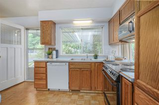 Photo 10: 1735 CHARLAND Avenue in Coquitlam: Central Coquitlam House for sale : MLS®# R2394617