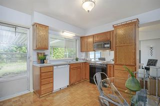 Photo 12: 1735 CHARLAND Avenue in Coquitlam: Central Coquitlam House for sale : MLS®# R2394617