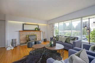 Photo 3: 1735 CHARLAND Avenue in Coquitlam: Central Coquitlam House for sale : MLS®# R2394617