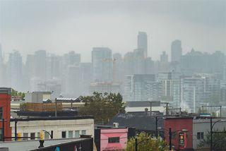 """Photo 15: 503 288 E 8TH Avenue in Vancouver: Mount Pleasant VE Condo for sale in """"METROVISTA"""" (Vancouver East)  : MLS®# R2401179"""