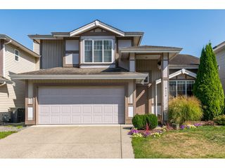 """Main Photo: 9436 202A Street in Langley: Walnut Grove House for sale in """"River Wynde"""" : MLS®# R2401470"""