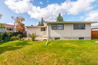Photo 4: 8607 177 Street in Edmonton: Zone 20 House for sale : MLS®# E4174997